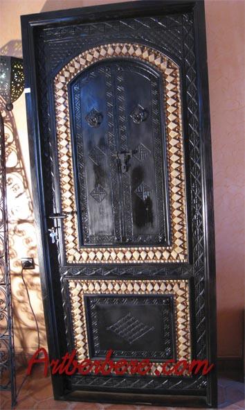 Art berbere artisanat marocain meuble marocain canap for Peinture decorative meuble bois